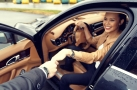 Monika Leová v Porsche Panamera Turbo